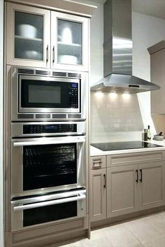 Kitchen Remodel Decor & Design Inspiration for Your Beautiful Home - Thermador Kitchen Gallery Double Oven Kitchen, Kitchen Oven, Kitchen Redo, New Kitchen, Kitchen Ideas, Kitchens With Double Ovens, Design Kitchen, Kitchen Cabinets, Kitchen Pictures
