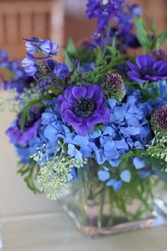 Beautiful colors together Teleflora Flowers, Fresh Flowers, Beautiful Flowers, Blue Flower Arrangements, Gerbera, Flowers Nature, Floral Bouquets, Marie, Wedding Flowers