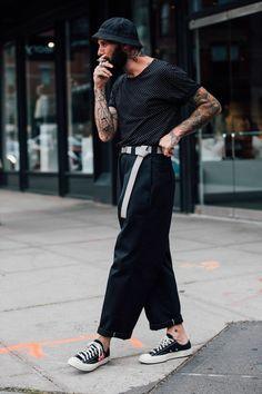 New York Menswear Shows Street Style 2017 British Vogue New York Men's Street Style, Street Style 2017, Urban Street Style, Urban Style, Street Styles, Urban Fashion, New Fashion, Trendy Fashion, Trendy Clothing