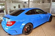 Mercedes_c63amg_coupe_designo_blue_2.jpg (800×530)