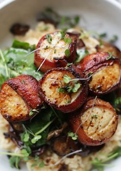 Bacon Wrapped Scallops with Parmesan Risotto – Gesundes Abendessen, Vegetarische Rezepte, Vegane Desserts, Seafood Risotto, Chicken Risotto, Risotto Dishes, Chicken Sauce, Parmesan Risotto, Fish Recipes, Seafood Recipes, Cooking Recipes, Recipies
