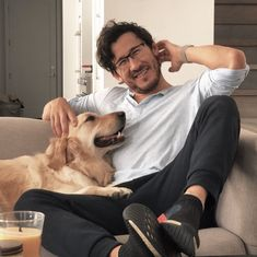 Is it possible for one to die of witnessing too much cuteness? Because I think I had a close call with it haha Pewdiepie, Markiplier Memes, Markiplier Imagines, Mark And Ethan, Jack And Mark, Real People, Pretty People, Youtubers, Playstation