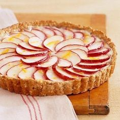 Apple Tart-This is a delicious recipe for an incredible dessert that is also healthy. It is a 1 Carb Choice Diabetic and also a WW 4 Points+ recipe. Makes 12 servings. Diabetic Desserts, Apple Desserts, Low Carb Desserts, Cookie Desserts, Apple Recipes, Diabetic Recipes, Healthy Desserts, Low Carb Recipes, Baking Recipes