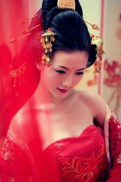 Traditional Asian wedding gown color is RED #culturalweddings