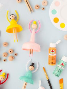 How To Make Your Own Dolls from Party Cups ⋆ Handmade Charlotte - ballerina dolls made from plastic cups La mejor imagen sobre diy face mask para tu gusto Estás bus - Toddler Crafts, Diy Crafts For Kids, Projects For Kids, Easy Crafts, Craft Projects, Arts And Crafts, Paper Crafts, Diy Crafts Games, Craft Ideas