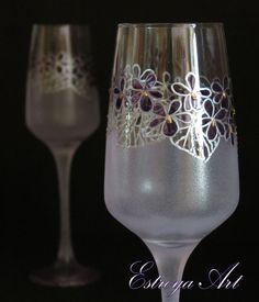 Hand Painted Toasting Flutes, Purple Wedding, Violet Flowers, Anniversary gift, Set of 2