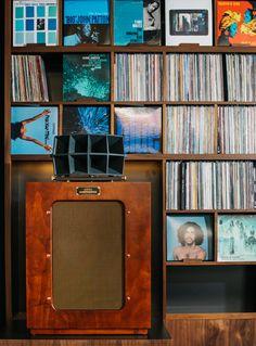 Bar Shiru, the Bay Area's first hi-fi vinyl bar, is a haven for audiophiles — Berkeleyside Horn Speakers, Diy Speakers, Hifi Bar, Sound Room, Floor Standing Speakers, Altec Lansing, Music Store, Vinyl Cover, Home Cinemas