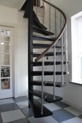 Traprenovatie | Nieuwe traptreden voor uw wenteltrap, spiltrap of andere stalen trap | Leuningen