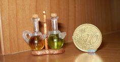 Siguiendo el foro de tus miniaturas he hecho estas   vinajeras, con materiales de esos que guardamos    por si acaso jjj           Y les he ...