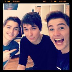 Dan Howell (danisnotonfire) with Jack (jacksgap) and Finn Harries. I think I just exploded Jack And Finn Harries, Jack Finn, British Youtubers, Best Youtubers, Phil 3, Dan And Phil, Marcus Butler, Danisnotonfire And Amazingphil, Joey Graceffa