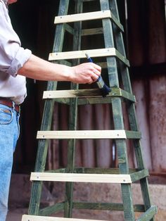 Make an Obelisk for Climbing Plants : Page 04 : Outdoors : Home & Garden Television