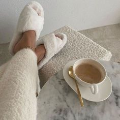 Aesthetic Photo, Aesthetic Pictures, Kelsey Rose, Instagram Inspiration, Looks Style, My Style, Wonderful Day, Cream Aesthetic, Aesthetic Light