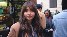 Filipina Actress, Cant Help Falling In Love, Kathryn Bernardo, Tv Series, Actresses, Flowers, Beautiful, Female Actresses, Royal Icing Flowers