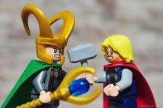 Lego Avengers Minifigures - Loki vs. Thor
