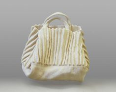 Free Knitting Pattern L0160AD Felted Pleated Bag : Lion Brand Yarn Company
