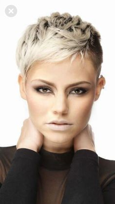 25 Adorable Short Pixie Haircuts for Summer of 2019 - Page 24 of 25 - Lead Hairstyles Edgy Short Haircuts, Short Hair Cuts, Short Hair Styles, Sassy Hair, Edgy Hair, Pelo Color Gris, Michelle Williams, Diane Kruger, Pixie Hairstyles