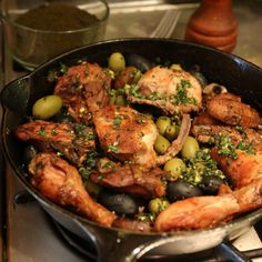 Hearty chicken cacciatore gets turnt up with onions, cremini mushrooms, black and green olives, a dash of wine, and weed. Weed Recipes, Marijuana Recipes, Chicken Recipes, Cooking Recipes, Healthy Recipes, Cannabis Edibles, Chicken Ideas, Vegan Energy Balls, Eating Clean