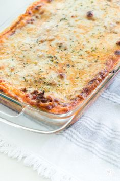 Simple two-layer lasagna that only bakes for 25 minutes- a crown pleasing favorite Italian dish!