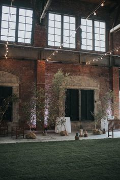 Wedding Venue Ideas Indoor Garden Wedding at Thompson's Point in Portland, Maine - Industrial meets nature like never before when this bride and groom create a romantic garden in the middle of the Thompson's Point warehouse building. Maine Wedding Venues, Italian Wedding Venues, Nautilus, Indoor Wedding, Garden Wedding, Growing Herbs Indoors, Growing Plants, Places To Rent, Portland Maine