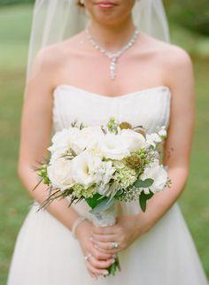 white bridal bouquet