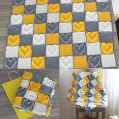 Blanket Baby blanket with knitted heart Bobble Crochet, Bobble Stitch, Crochet Quilt, Manta Crochet, Afghan Crochet Patterns, Baby Knitting Patterns, Baby Blanket Crochet, Crochet Baby, Crochet Squares
