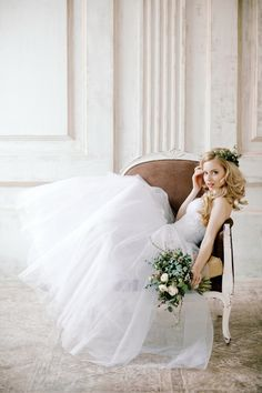 Rustic, elegant bridal inspiration | Irina Klimova Photography | see more on: http://burnettsboards.com/2014/09/beauty-flower-exquisite-bridal-editorial/