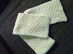 This is a ribbed scarf with cables on one side. It is reversible. Sides For Ribs, One Sided, Pattern Design, Knitting Patterns, Cable, Cabo, Knit Patterns, Cords, Cable Knitting Patterns