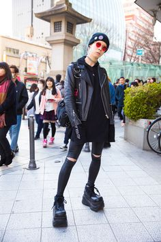 The Best Street Style Photos From Tokyo Fashion Week Fall 2017 New Street Style, Street Style Trends, Cool Street Fashion, Street Chic, Tokyo Fashion, Harajuku Fashion, Japanese Fashion, Korean Fashion, Fashion Seasons