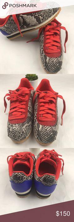 Chaussure Nike Classic Cortez Leather SE pour Femme      m e t a l / m e t  a l l i c s      Pinterest   Classic cortez, Nike classic cortez leather  and ...