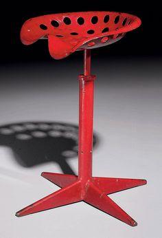 JEAN PROUVE (1901-1984)  TABOURET, VERS 1948  En tôle d'acier peinte rouge corsaire, l'assise moulée et percée, reposant sur un piétement central tubulaire terminé en étoile Hauteur : 63 cm. (24 7/8 in.) ; Largeur : 42 cm. (16½ in.) ; Profondeur : 32 cm. (12½ in.) Art Furniture, Vintage Furniture Design, Modern Furniture, Jean Prouve, Chair Design, Industrial Design, Chairs, Sculpture, French Connection