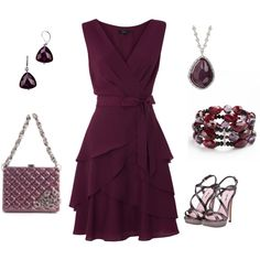 Plum dress and accessories Pretty Outfits, Pretty Dresses, Beautiful Dresses, Gorgeous Dress, Komplette Outfits, Cool Outfits, Frack, Moda Vintage, Mode Inspiration
