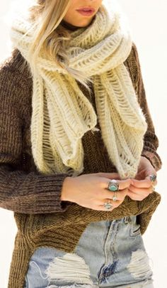 A scarf that will keep you warm, look good and to be Soft  Cozy  not bulky. Thats my kind of scarf!