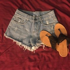 High Waisted Shorts sz 4 The tag says size medium, I would say they are around a size 4!                                                        • I make all the shorts myself, I can make any size, add rhinestones and differentiate the fray/rips on all shorts! Please feel free to ask for a size!! ☺️ • Shorts Jean Shorts