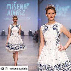 Krásna kolekcia ktorá chytí za srdce  #praveslovenske od  @misena_juhasz ..... LASTOVIČKA Celú kolekciu Lastovička som mala možnosť odprezentovať na KFW 2016 (Košice Fashion week) za pozvanie veľmi pekne ďakujem. Ani som netušila koľko máme veľa priaznivcov modrotlače a slovenskej kultúry. Bola som veľmi prekvapená a som vďačná za všetky tie milé slová od obdivovateľov mojej tvorby. Ďakujem všetkým ktorí ma prišli podporiť. Veľká vďaka šperkárke Zuzke Barčákovej - jej úchvatné šperky dodali…