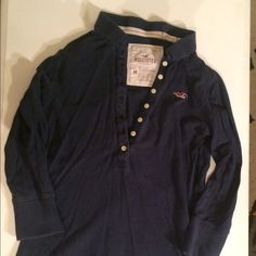 Navy Hollister 3/4 Polo Shirt. Size Medium. Great condition. No flaws. Hollister Tops