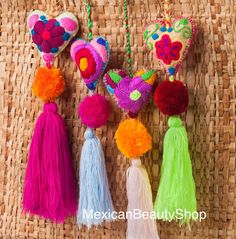 Mexican Felt Hearts / Hand Embroidered hearts with pom-poms / wedding favors / baby shower – Makramee Wedding Pom Poms, Diy And Crafts, Arts And Crafts, Heart Ornament, Felt Fabric, Felt Hearts, Felt Ornaments, Felt Flowers, Hand Embroidery
