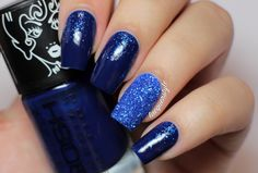 Uñas largas decoradas de azul - Blue nail art for long nails Types Of Nail Polish, Types Of Nails, Blue Acrylic Nails, Blue Nails, Nail Art Designs, Gel Nails French, Diva Nails, Christmas Nail Art, Nail Artist