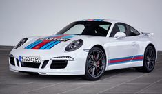 Porsche Exclusive is launching the Porsche 911 Martini Racing Edition to coincide with this year's Le Mans race. Porsche 911 Martini Racing Edition is limited to 80 units Porsche Panamera, Carros Porsche, 996 Porsche, Porsche Autos, Porsche Cars, Custom Porsche, Martini Racing, Vespa Racing, Porche 911