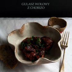 Stare Gary: Gulasz wołowy z chorizo z wolnowaru Chorizo, Pie Dish, Beef, Dishes, Kitchen, Food, Cauliflower, Meat, Cooking