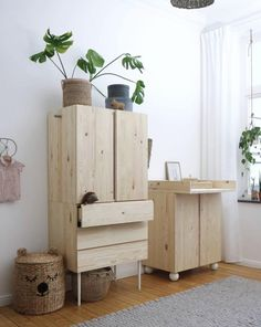 Pretty Movement - The place to be to check out inspiring IKEA Hacks. - Prettypegs - Six Fab Ikea Ivar Hacks! Replacement Furniture Legs, Kids Bedroom, Bedroom Decor, Ideas Habitaciones, Deco Kids, Coffee Table With Storage, Ikea Furniture, Furniture Plans, Outdoor Furniture