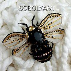 40 отметок «Нравится», 3 комментариев — Соболева Екатерина (@sobolyami) в Instagram: «Крупные планы пчело-шмелика. Аккуратный, легкий, блестящий. Сидит и не жужжит  #пчела…»