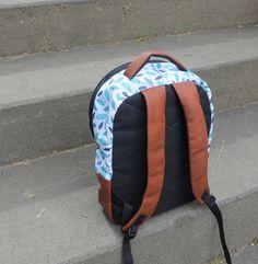Morral hojas azules espalda Marca FULANO Bags, Morrales, mochilas, backpack, maletines.