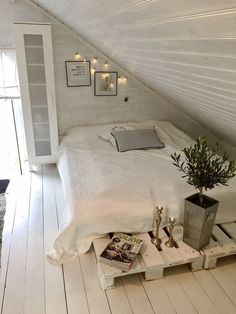 Awesome Small Attic Bedroom For Your Home. Below are the Small Attic Bedroom For Your Home. This post about Small Attic Bedroom For Your Home was posted under the Bedroom category by our team at August 2019 at pm. Hope you enjoy it and don& . Attic Bedroom Small, Attic Bedroom Designs, Master Bedroom Interior, Attic Loft, Attic Design, Loft Room, Attic Rooms, Bedroom Layouts, Bedroom Loft