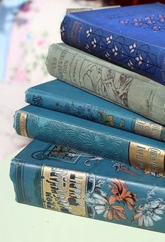 LOVE vintage blue books ♥ any old books really :) They just don't make them this pretty anymore Photo Bleu, Light Blue Aesthetic, Blue Aesthetic Pastel, Aesthetic Vintage, Rhapsody In Blue, Blue Books, Ravenclaw, Book Nooks, Antique Books
