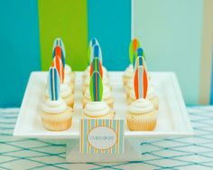 surf party= surfboard cupcakes