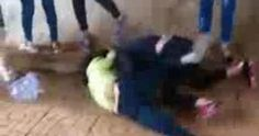 Lại xuất hiện clip nữ sinh đánh nhau bạn bè đứng reo hò cổ vũ - VTC News