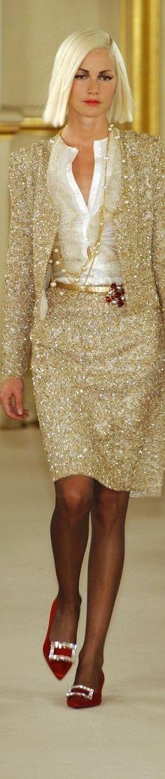 Balmain at Couture Fall 2001 - Runway Photos Fashion Moda, Gold Fashion, High Fashion, Fashion Beauty, Womens Fashion, Beautiful Gowns, Beautiful Outfits, Cool Outfits, Fashion Outfits