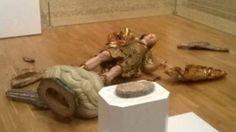 Un turista rompe una escultura del siglo XVIII al sacar una foto en un museo de Lisboa
