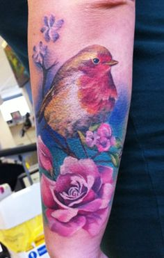 Realistic Bird Tattoo by Lianne Moule - Creative Tattoos, Great Tattoos, Beautiful Tattoos, Realistic Bird Tattoo, Robin Tattoo, Paradise Tattoo, Worlds Best Tattoos, Tatoo Art, Tattoos Gallery