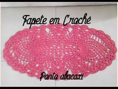 Olá meninas! Hoje venho trazer pra vocês este lindo tapetinho em crochê em ponto abacaxi,ótimo para se usar em banheiro cozinha e,outros.Espero que gostem!!!...